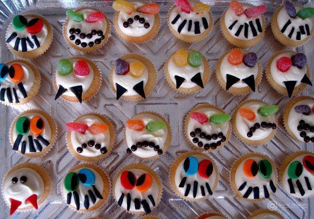 Cupcake de Monstro Romeu e Julieta   Confeitaria da Luana