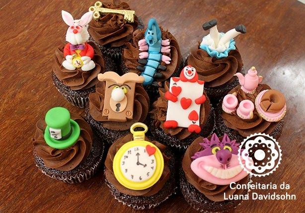 Cupcake Alice País das Maravilha | Confeitaria da Luana