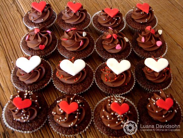 Cupcake de Chocolate com Corações | Confeitaria da Luana