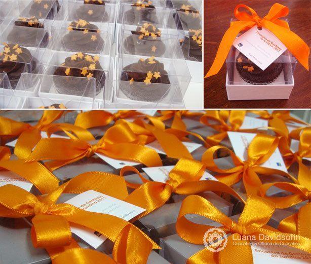 Cupcakes Itaú Estrelas Laranjas | Confeitaria da Luana
