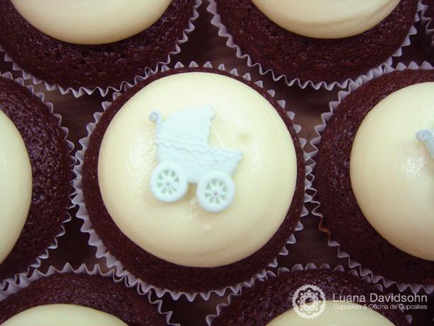 Cupcake para Chá de Bebê com chocolate branco | Confeitaria da Luana