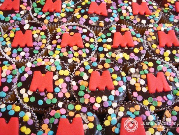 Cupcake Cenoura com Confetes | Confeitaria da Luana