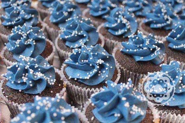 Cupcakes Com Cobertura Azul Confeitaria Da Luana