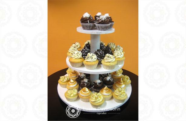 Cupcake para Festa marrom e bege | Confeitaria da Luana