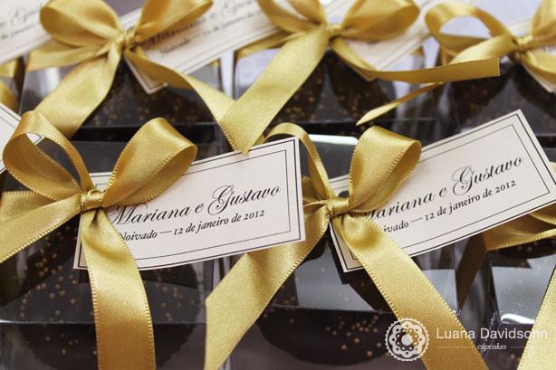 Cupcake para Lembrancinha Mariana e Gustavo   Confeitaria da Luana