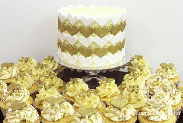 Bolo para Casamento Dourado e Branco | Confeitaria da Luana