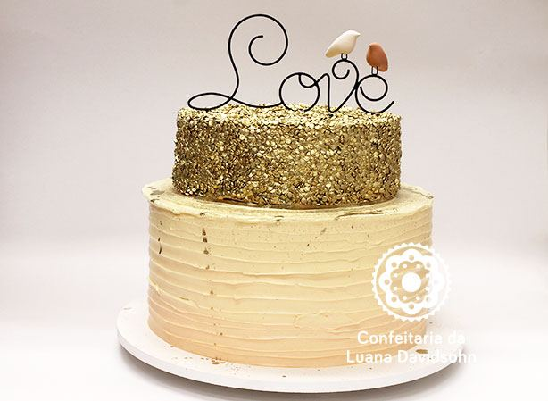 Bolo de Casamento Dourado | Confeitaria da Luana