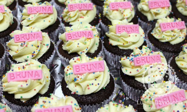Cupcake festa 13 anos da Bruna | Confeitaria da Luana