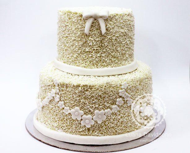 Bolo de Casamento Granulados Brancos   Confeitaria da Luana