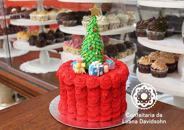 Bolo de Natal | Confeitaria da Luana