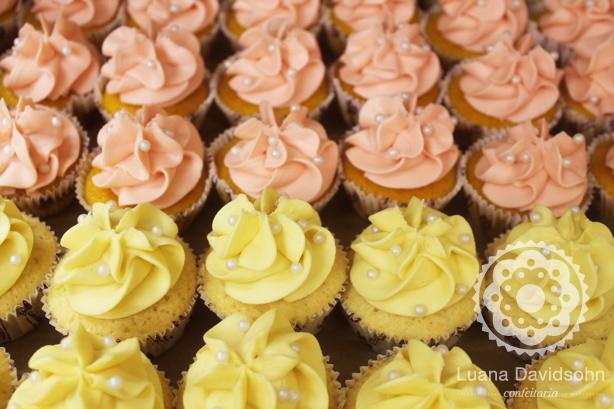 Cupcake Candy Color + Pérolas | Confeitaria da Luana