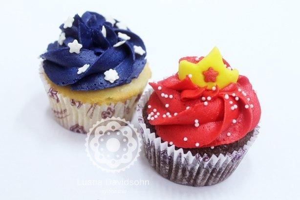 Cupcake Mulher Maravilha | Confeitaria da Luana