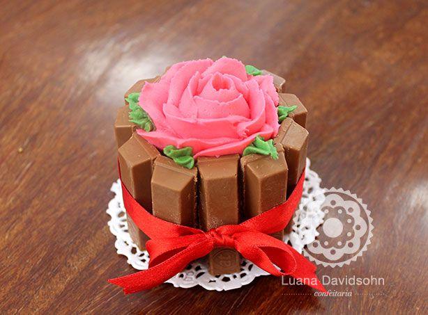 Bolo Rosas Dia da Mulher | Confeitaria da Luana