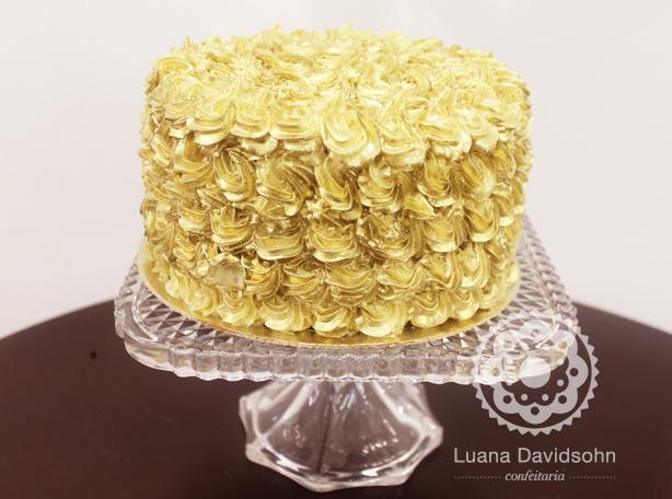 Bolo Dourado e Branco | Confeitaria da Luana