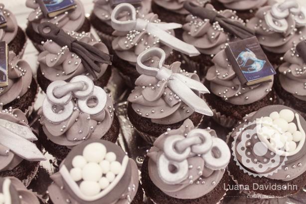 Cupcakes 50 Tons de Cinza | Confeitaria da Luana
