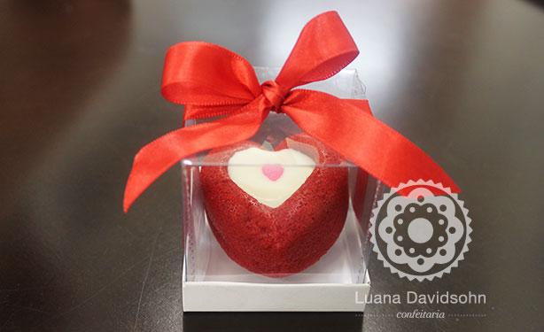 Mini bolo caseiro de coração | Confeitaria da Luana