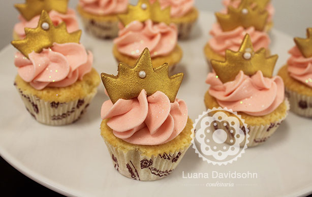 2270 Papel De Azucar Soy Luna as well 48772830 furthermore Anniversaries furthermore Clipart MiL5oo9ia additionally 8068 Disque Azyme Les Trolls 1 Troll Rose. on halloween cupcakes toppers