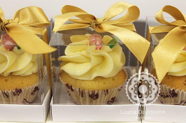 Cupcakes de presentinho | Confeitaria da Luana