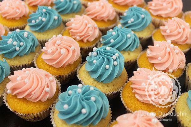 Cupcake com Pérolas Brancas | Confeitaria da Luana