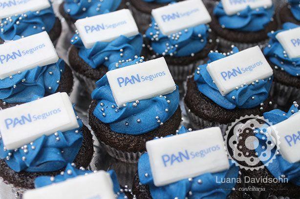 Cupcake com a Logomarca da Empresa