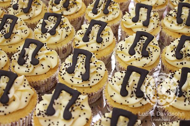 Cupcake para Casamento da Música e do Chopp | Confeitaria da Luana