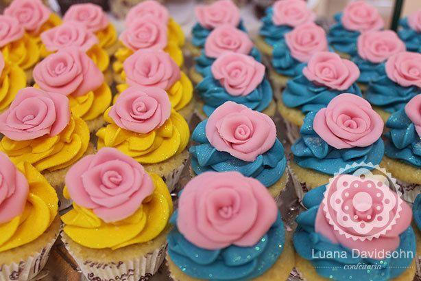 Cupcake com Rosas Cor de Rosa | Confeitaria da Luana
