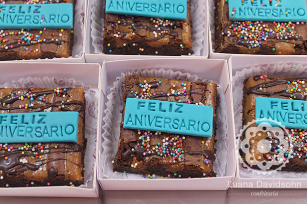 Brownies para Aniversariantes do Mês | Confeitaria da Luana