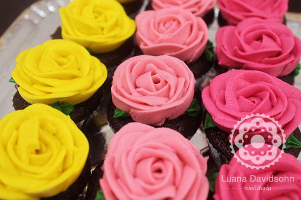 Dia da Mulher com Rosas | Confeitaria da Luana