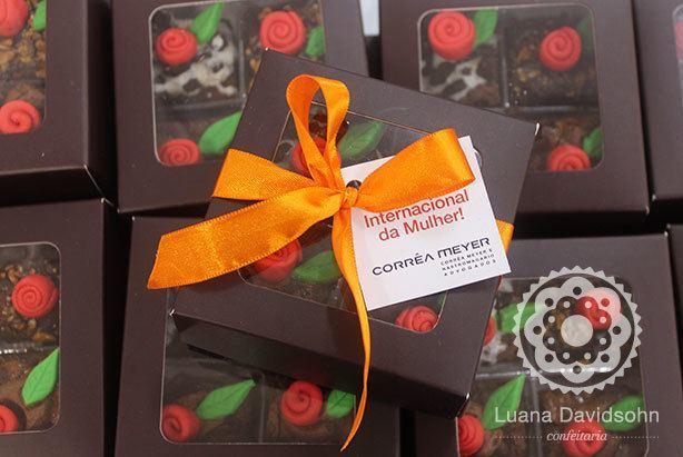 Mini Brownies com Rosas | Confeitaria da Luana