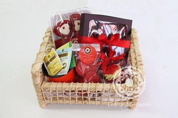Dia dos Namorados Cesta Ouro | Confeitaria da Luana