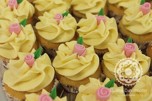 Cupcakes Delicados Maternidade | Confeitaria da Luana