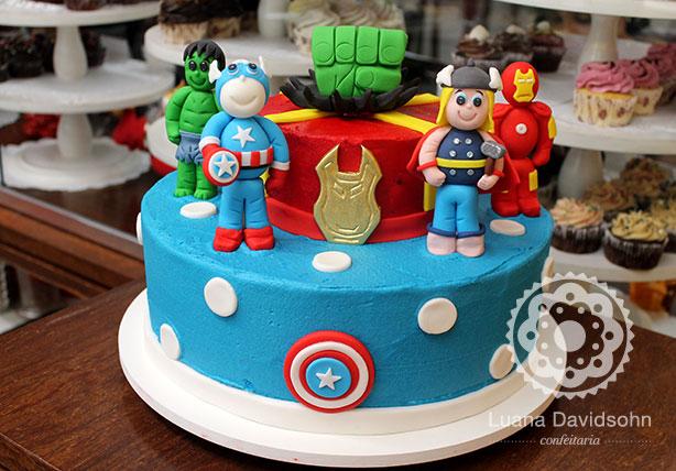 Bolo dos Super Heróis