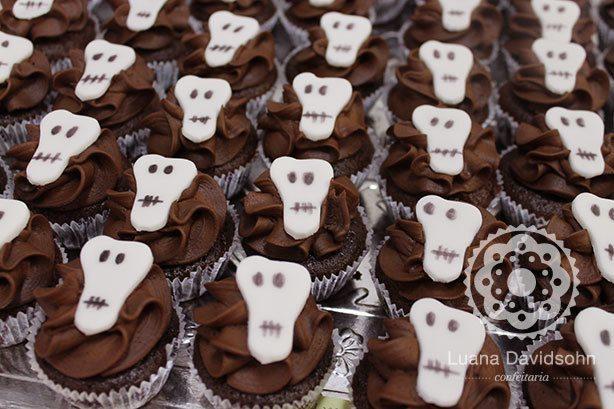 Cupcakes com Fantasma, Caveira e Morcego | Confeitaria da Luana