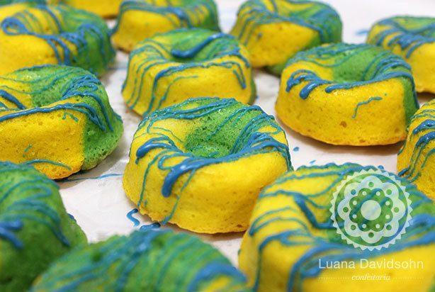 Mini bolo caseiro do Brasil | Confeitaria da Luana