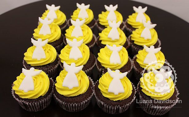 Anjinhos amarelos para Batizado | Confeitaria da Luana