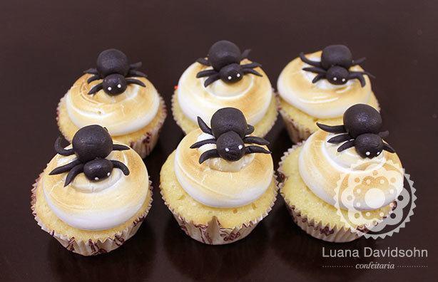 Cupcakes Aranhas Halloween | Confeitaria da Luana
