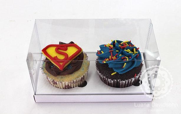 caixa-2-cupcakes-t-superman