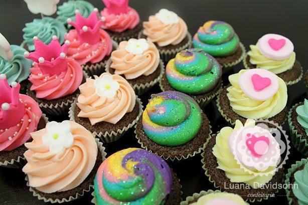 Cupcakes Candy Color e Glitter | Confeitaria da Luana