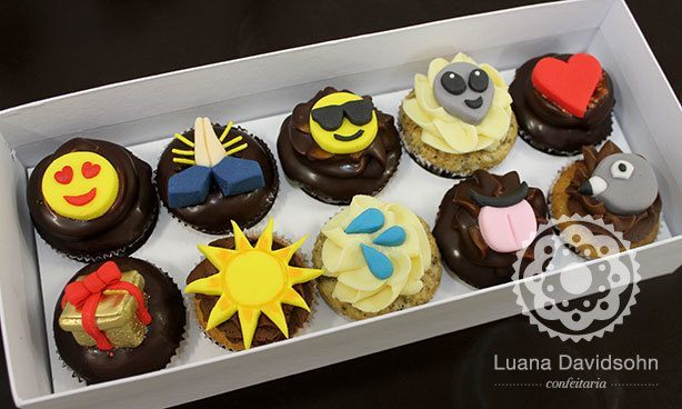 Cupcakes com Emoji
