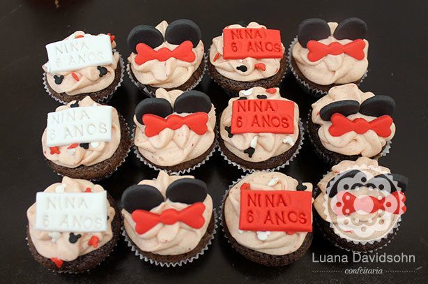 Cupcakes da Minnie para Nina | Confeitaria da Luana