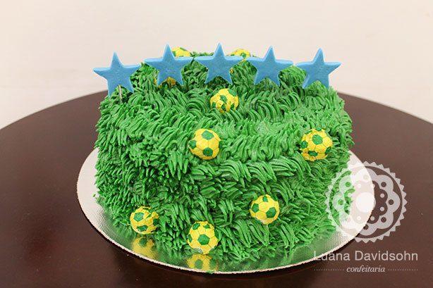 Bolo de Futebol com Estrelas | Confeitaria da Luana