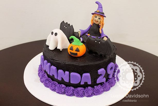 bolo de halloween bruxinha