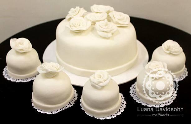 Bolo Aniversário de Casamento | Confeitaria da Luana