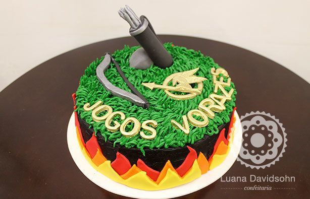 Bolo e Cupcake Jogos Vorazes | Confeitaria da Luana