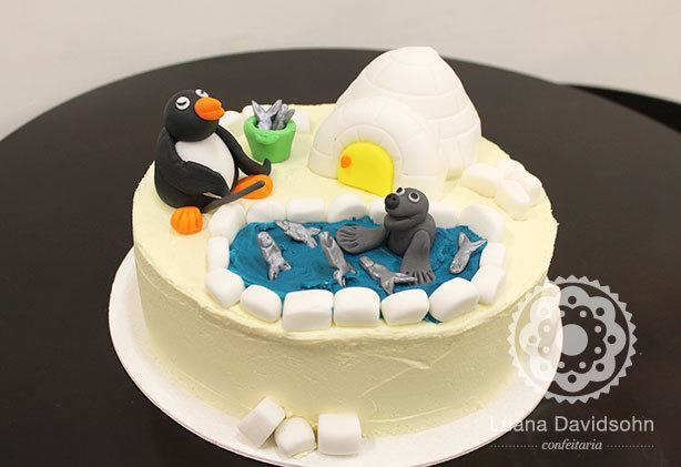 Bolo Pingu | Confeitaria da Luana