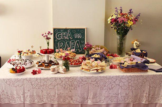 Mesa de Doces Chá de Fraldas | Confeitaria da Luana