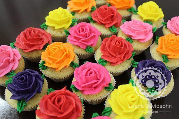 Cupcakes Rosas de Chocolate | Confeitaria da Luana