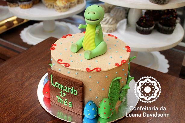 Bolo de Dinossauro | Confeitaria da Luana