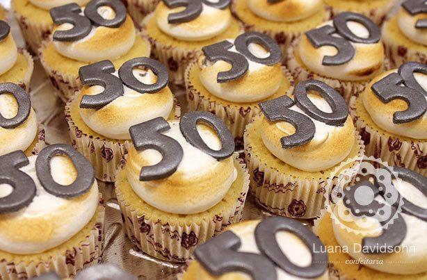 Cupcakes 50 anos do André | Confeitaria da Luana