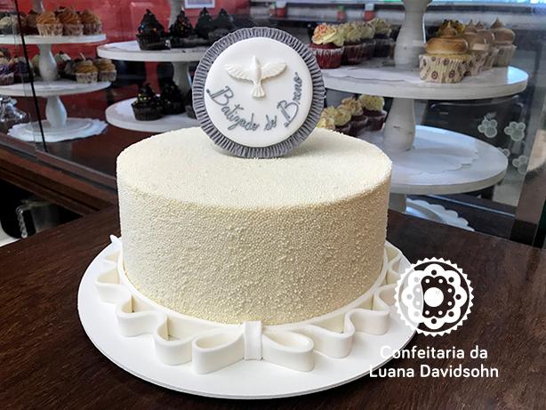Bolo de Batizado Branco | Confeitaria da Luana
